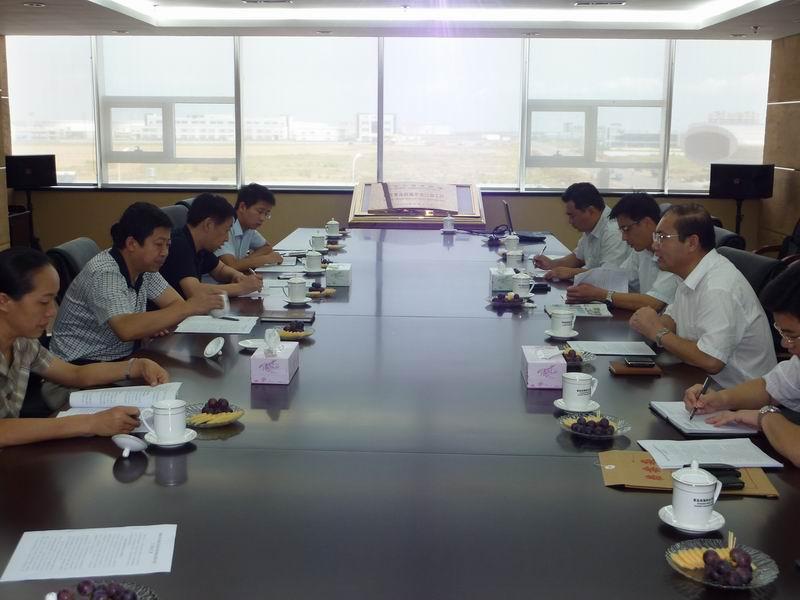 青岛开发区人大领导到西海岸出口加工区调研招商引资