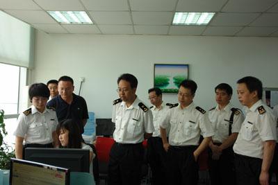 西安海关副关长陈鸿罡到西安出口加工区b区调研